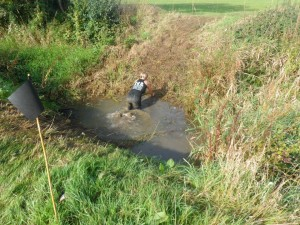 Struggling to get myself out of a simple ditch